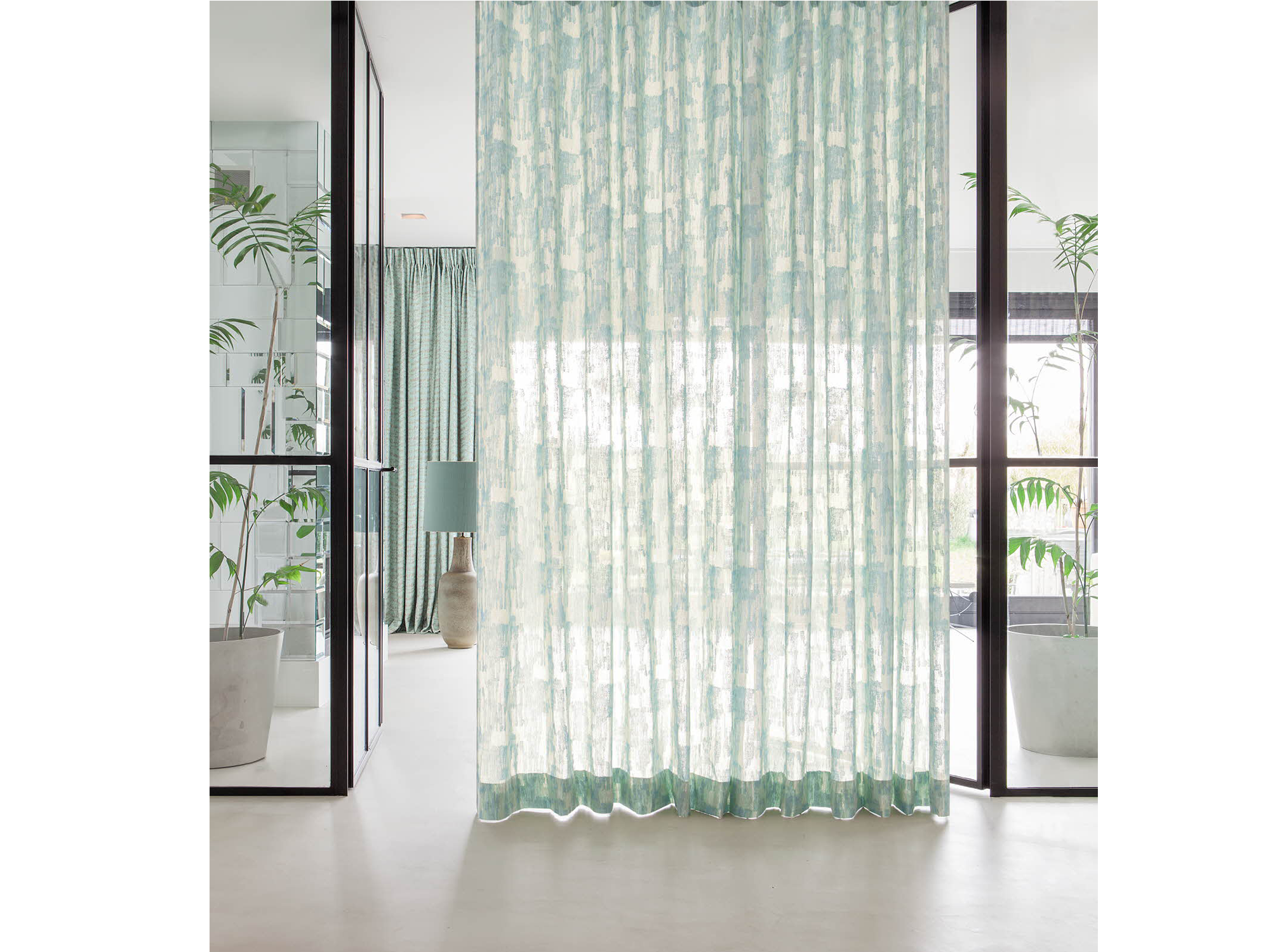 curtains_0002_Refrain_008